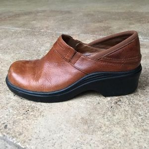 Ariat leather women clogs size 8 (38)